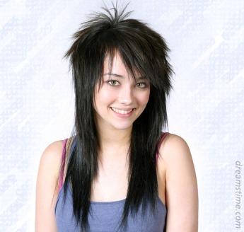 Puedes ver todas las novedades de cortes de pelo y peinados .