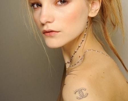tatuajes de chanel