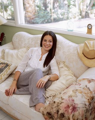 holly-marie-combs-23