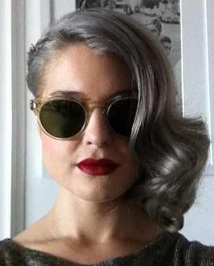 embedded_kelly-osbourne-gray_hair
