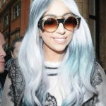 embedded_lady-gaga-gray-hair-with-blue-streaks