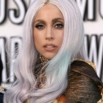 embedded_lady-gaga-gray-hair-with-blue-tips