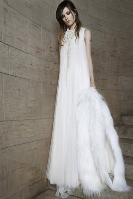 embedded_Vera_Wang_spring_2015_wedding_dresses__(4)
