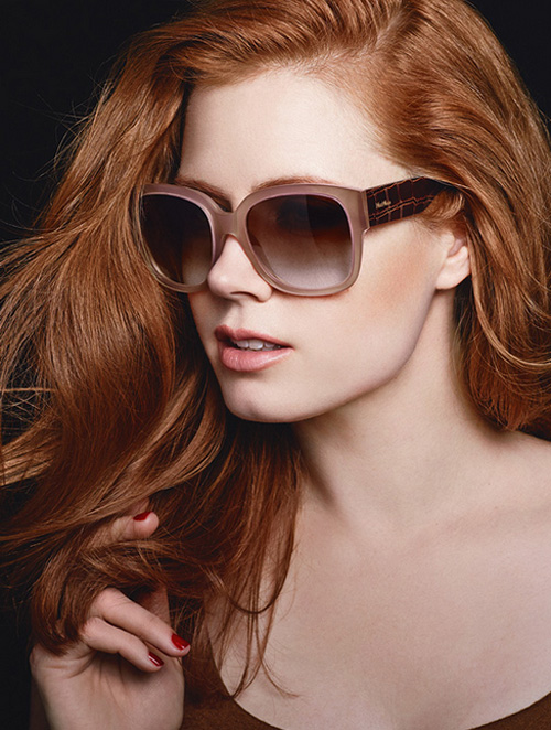 amy-adams-wearing-butterfly-eyewear-maxmara-_-Fashion-Fist-1