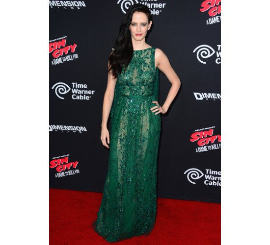 embedded_eva_green_dress_sim_city_premiere