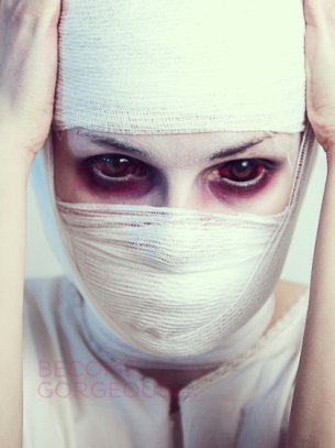 305x407xscary-mummy-makeup.jpg.pagespeed.ic.XKlhq8vJjW