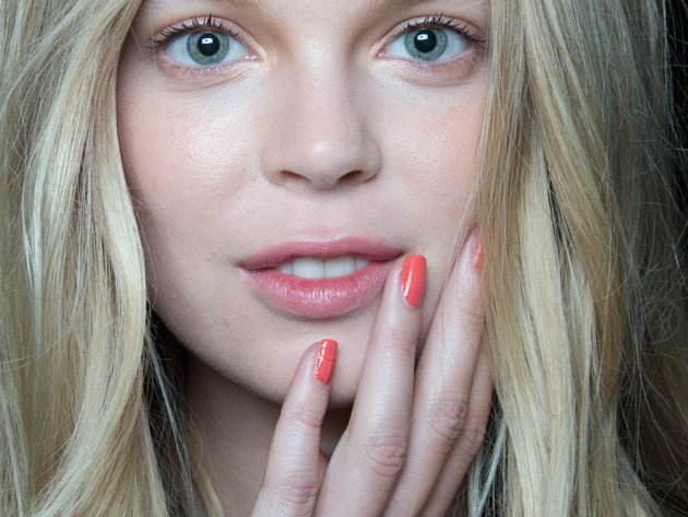 embedded_Nicole_Miller_spring_2015_nail_trends