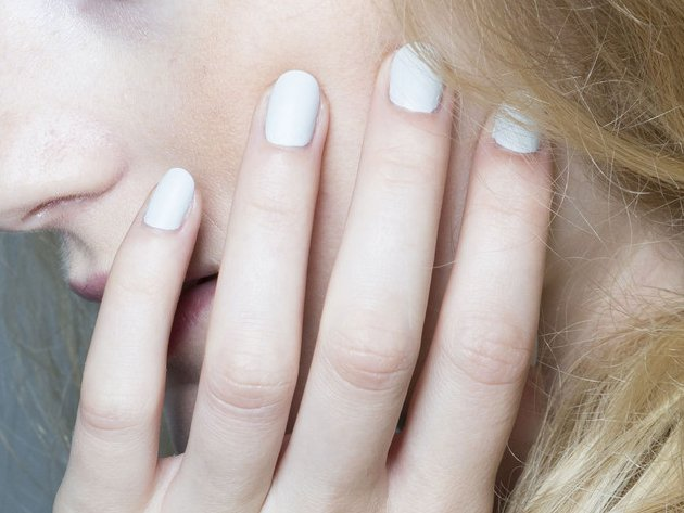 embedded_Tess_Giberson_spring_2015_nail_trends