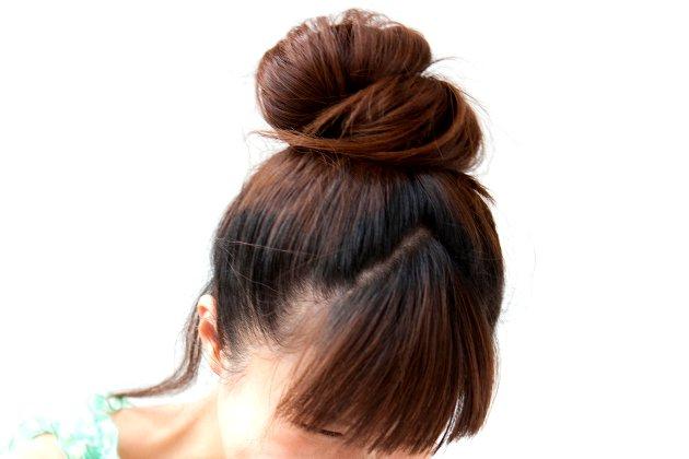 cinco-peinados-con-los-que-dormir-para-lucir-un-pelo-perfecto-al-dia-siguiente-moño