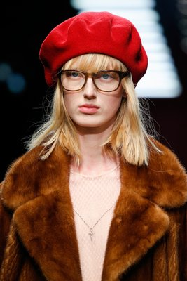 embedded_beret_gucci_fall_2015_trends
