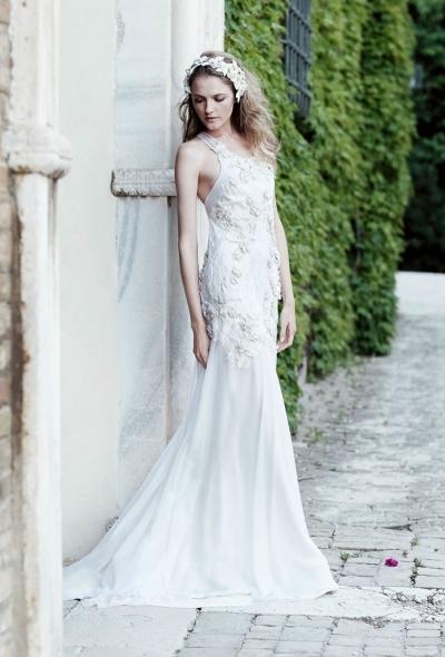 Alberta-Ferretti-Bridal-2016-Wedding-Dresses07-400x600