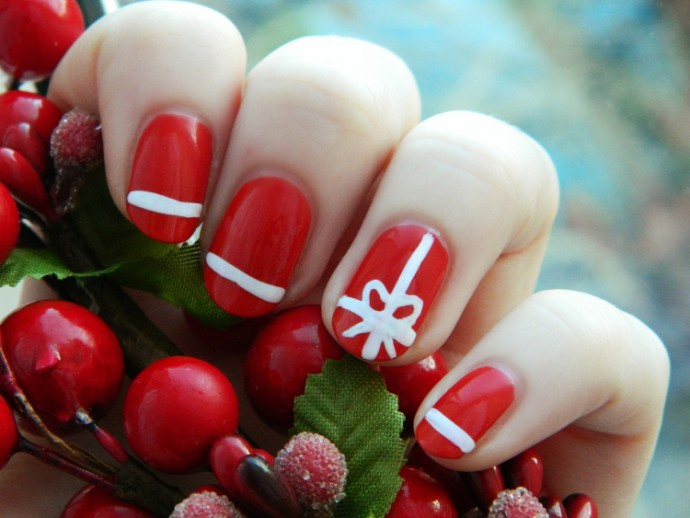 Lovely-Christmas-Stylish-Nail-Art-Design-And-Ideas-2013-–-14