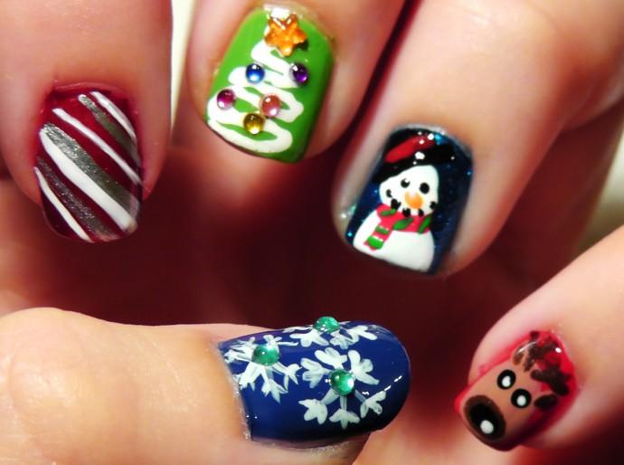 Trendy-Nice-Christmas-Nails-Ideas-2014