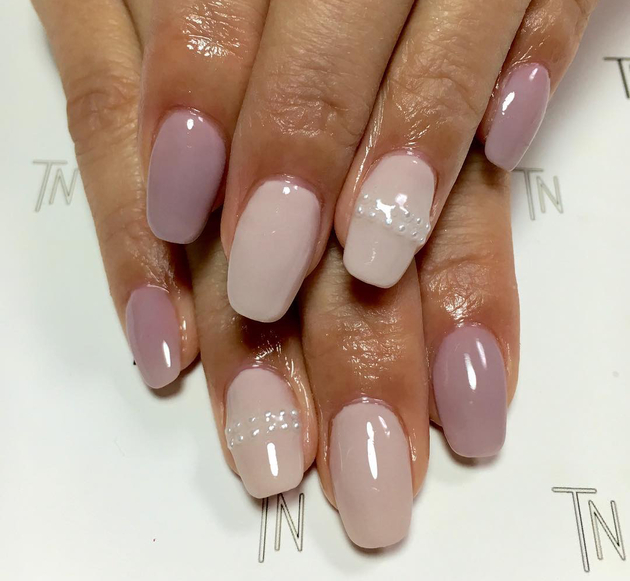 embedded_sheer_nude_nail_polish_colors