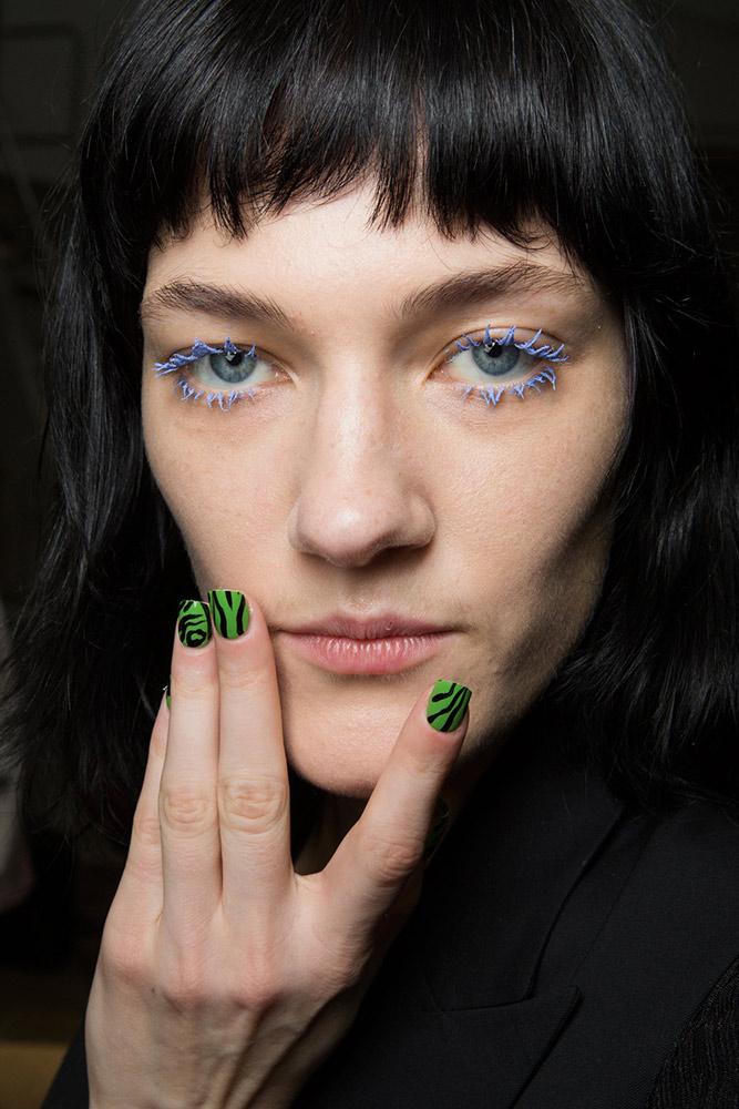 14-pucci-fall-2017-black-green-zebra-print-nails