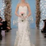 embedded_Oscar_de_la_Renta_Wedding_Dresses_Spring_2014_(15)