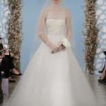 embedded_Oscar_de_la_Renta_Wedding_Dresses_Spring_2014_(5)