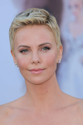 embedded_Charlize_Theron's_short_hairstyle