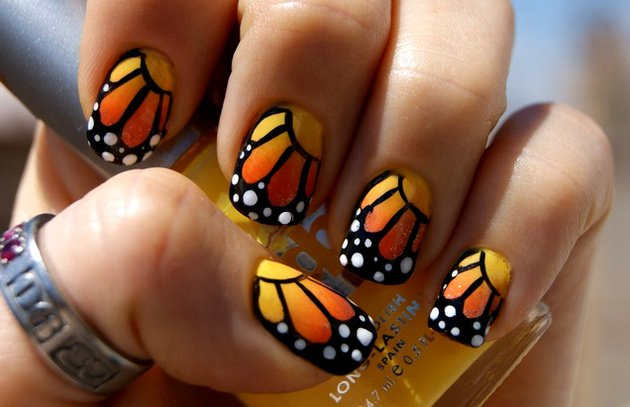 Monarch_butterfly_nail_design_content
