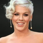 embedded_singer-pink-with-gray_hair