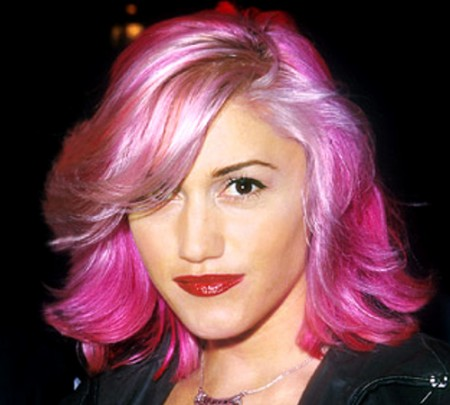 embedded_gwen_stefani_with_pink_hair_color