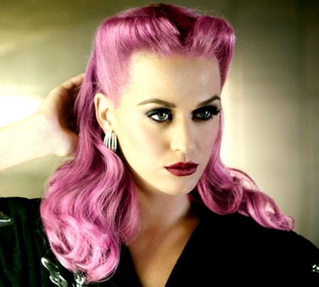embedded_katy_perry-with_pink_hair_color
