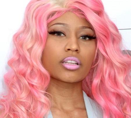 embedded_nicki_minaj-with_pink_hair