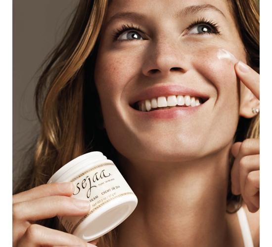 embedded_Gisele_Bündchen_Sejaa_Pure_Skincare