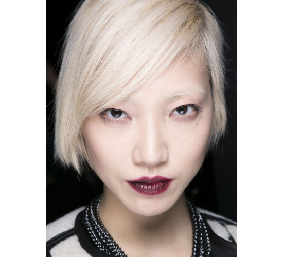 embedded_platinum_blonde_hair_fall_2014_trends