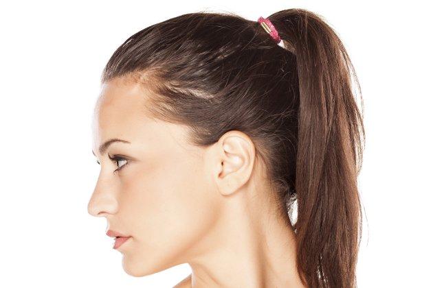 cinco-peinados-con-los-que-dormir-para-lucir-un-pelo-perfecto-al-dia-siguiente-coleta