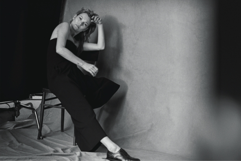 kate-moss-appears-un-retouched-for-vogue-italia-by-peter-lidbergh-2