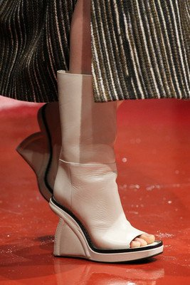 embedded_cutout_booties_fall_2015_marni