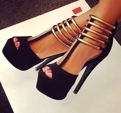 embedded_wedding_guest_shoes