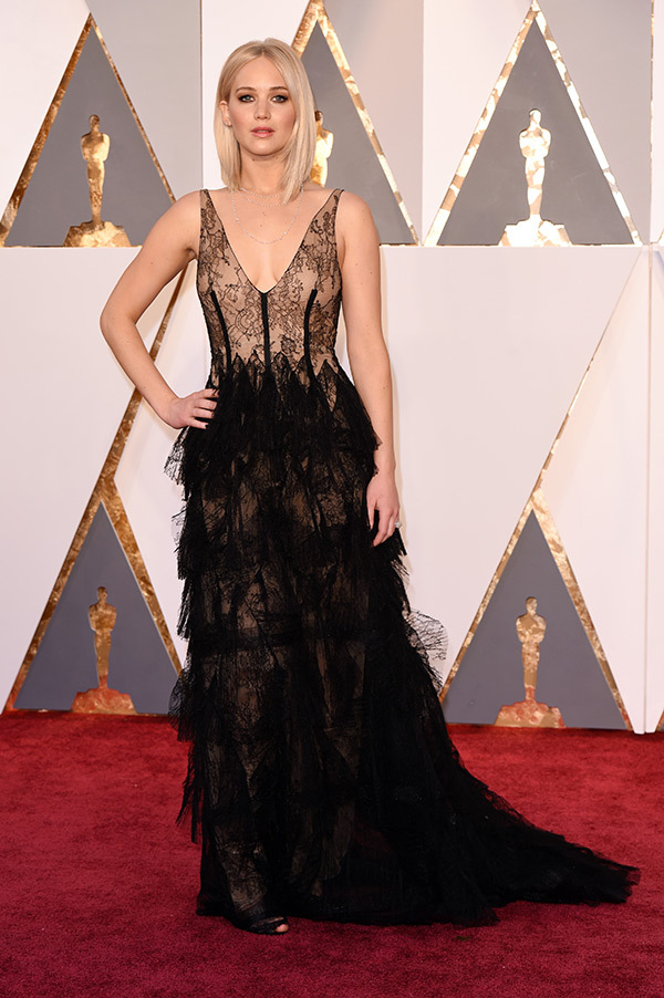 jennifer-lawrence-oscars-2016-academy-awards