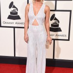 kaley-cuoco-grammys-red-carpet-2016