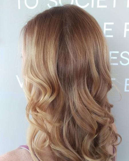 Light-Strawberry-Blonde-Hair-Wavy