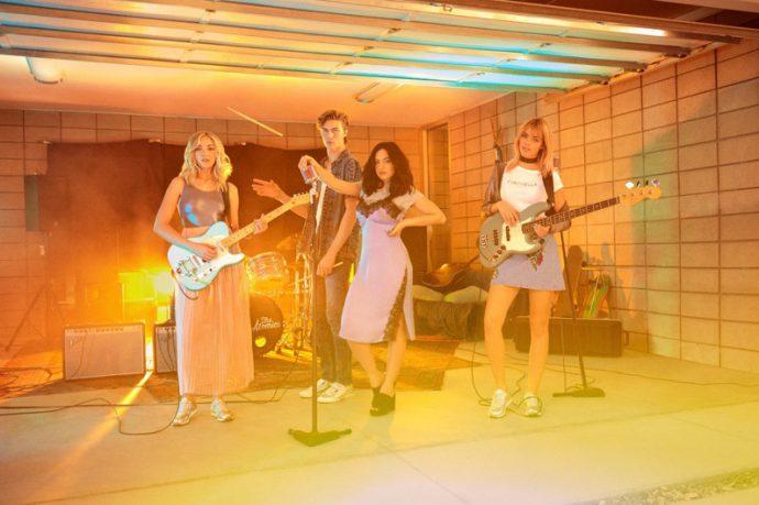 HM-Loves-Coachella-2017-Campaign_fy2
