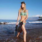 Toni-Garrn-Swimwear-J-Crew-Summer-2017-Style-Guide06